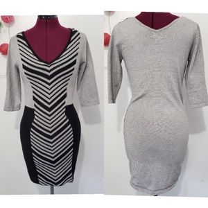🔴DOTS 3/4 sleeve v-neck body con dress M